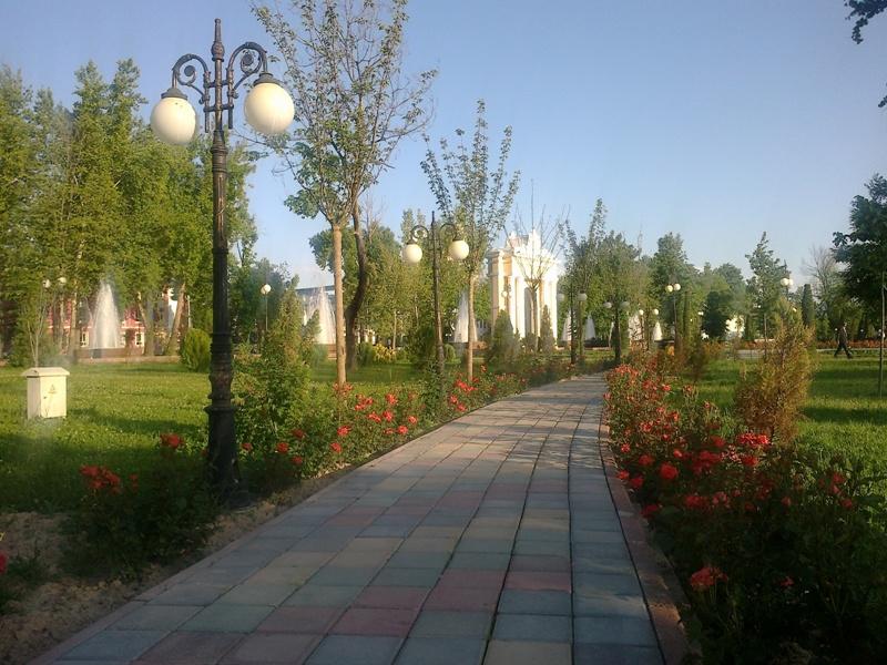 Душанбе. В парке им.Сомони