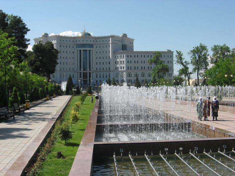Душанбе. Национальная библиотека.