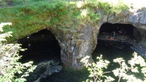 Подземное озеро в провале. Горный парк Рускеала