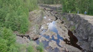 Русло реки Суна. Карелия